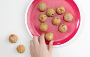 Kunterbunte Cookie-Kugeln: Step 4