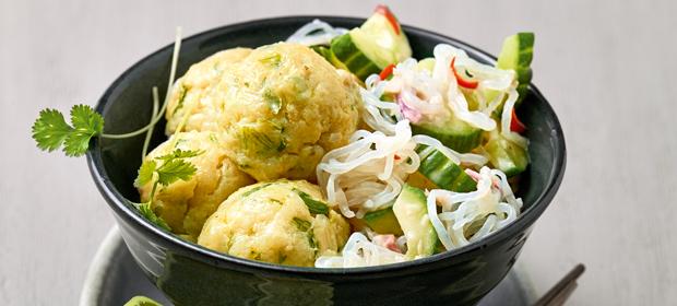 Low Carb-Abendessen aus dem Thermomix: Asia-Gemüse mit Fischbällchen und Konjaknudeln