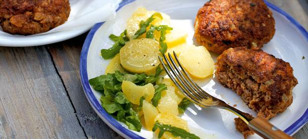 Lieblingsgericht: Frikadellen mit Kartoffel-Rucola-Salat