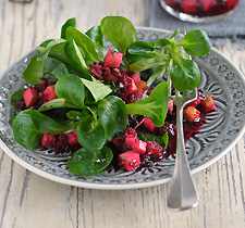 Feldsalat mit Vinaigrette und roter Bete