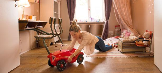Fitness-Minis: Bobby-Car vor und zurück