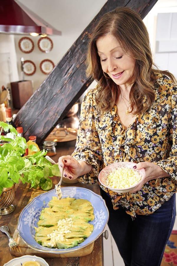 Vicky Leandros beim Kochen