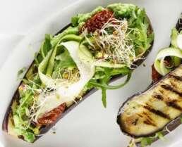 Gemüsesandwich mit Auberginenscheiben