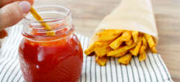Gesunde Rezepte für Kinder: Pastinaken-Pommes mit Ketchup
