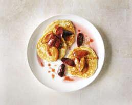 Chia-Pancakes mit Pflaumen