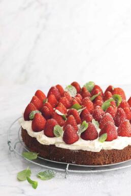 Erdbeer-Minze-Torte