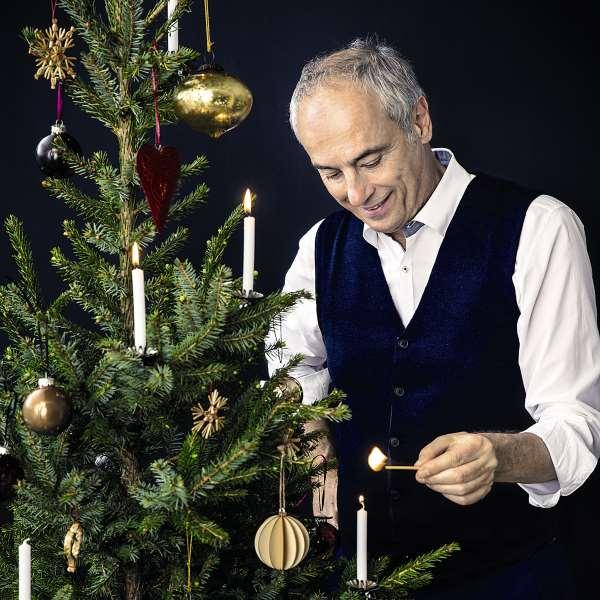 Rach mit Weihnachtsbaum