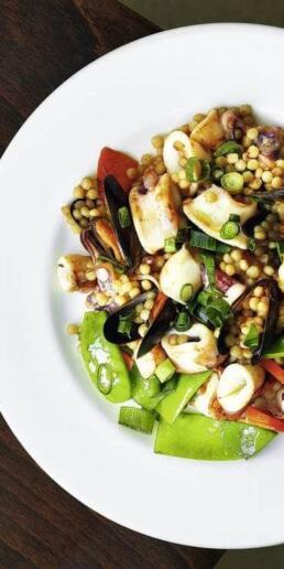 Isarelischer Couscous mit Seafood-Mix