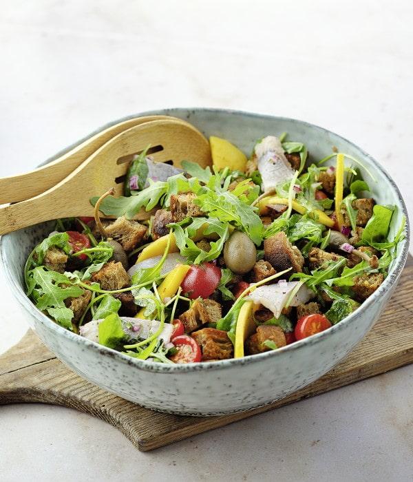 Matjes-Brot-Salat-mit-Mango