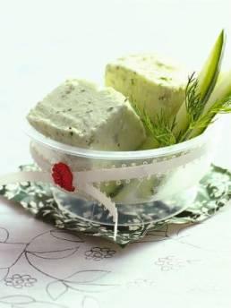 Gurken-Joghurt-Eis mit Sesamsaat