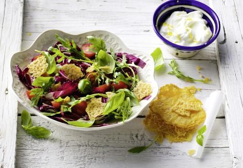Italo-Salat mit Parmesan-Thaler
