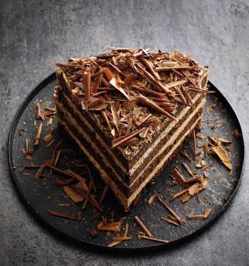 Schokoladencremtorte mit Buttercreme